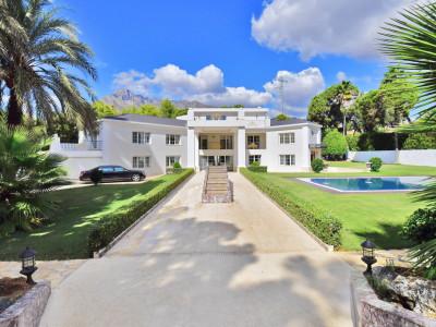 Marbella Golden Mile, Lujosa villa de 6 dormitorios en La Carolina, Milla de Oro de Marbella