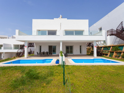 Mijas Costa, Contemporary 3 Bedroom Semi-Detached House in Miraflores, Mijas
