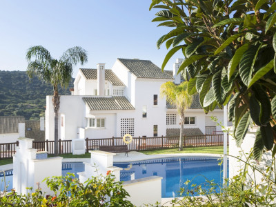 Alcaidesa, Brand new ground floor apartment in La Alcaidesa with stunning sea and golf views