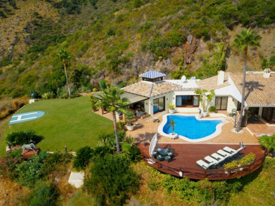 Benahavis, Truly unique 4 bedroom villa in Benahavis, Costa del Sol