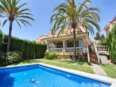 Marbella, Spacious detached villa in the centre of Marbella