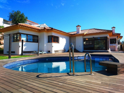Benalmadena, Independent Luxury Villa in Reserva del Higueron