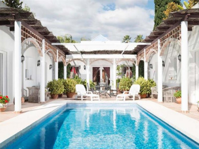 Nueva Andalucia, Stunning villa in the heart of the Nueva Andalucia golf valley just behind Puerto Banus