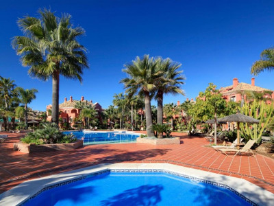Nueva Andalucia, Excellent ground floor apartment in Nueva Andalucia set in stunning tropical gardens