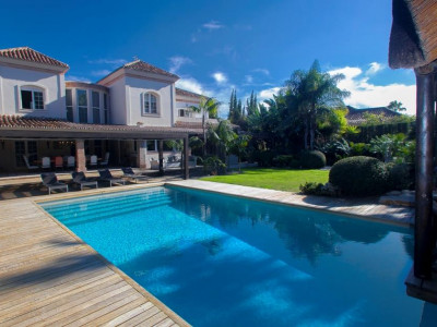 Nueva Andalucia, Outstanding villa in Nueva Andalucia close to an International school and the golf course