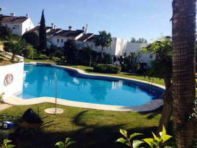 Estepona, Bright townhouse in Estepona on the New Golden Mile close to the beach and all amenities