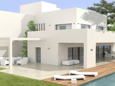 San Pedro de Alcantara, New construction beachside villa in San Pedro de Alcantara with quality specifications