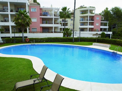Nueva Andalucia, Large apartment in Nueva Andalucia close to 4 top golf courses and Puerto Banus