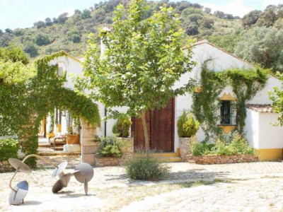 Benaojan, Impressive cortijo in Ronda set in its own private valley on a plot of 1.200.000m²