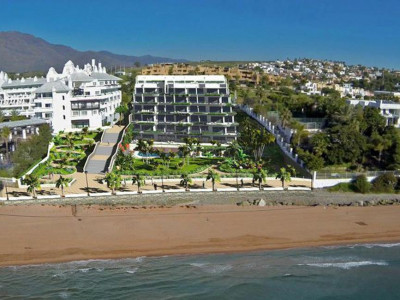 Estepona, Spacious contemporary beachfront apartment in Estepona overlooking the beach and sea