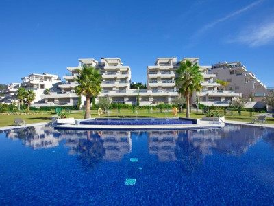 Nueva Andalucia, Luxury apartment in Nueva Andalucia in an exclusive gated complex with only 36 dwellings