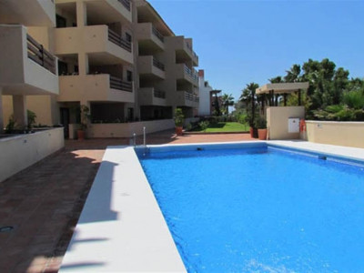 Sotogrande, Exlusive penthouse apartment in Sotogrande marina with stunning views of the habour