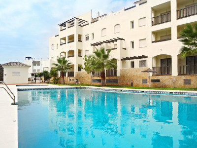 Benalmadena, Ground floor apartment in Benlalmadena with views of the golf course and sea