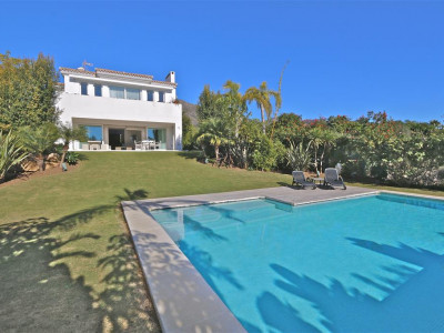 Marbella Golden Mile, Contemporary villa on the Golden Mile just a 5 minute drive from Puerto Banus and Marbella