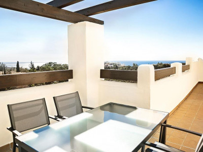 Benalmadena, Quality apartment in Benalmadena with stunning views of the Mountains and golf course & sea