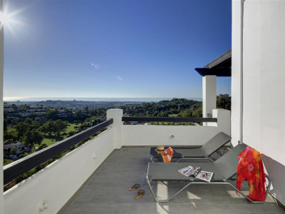 Benahavis, New penthouse apartment for sale in Benahavis frontline golf with panoramic sea views