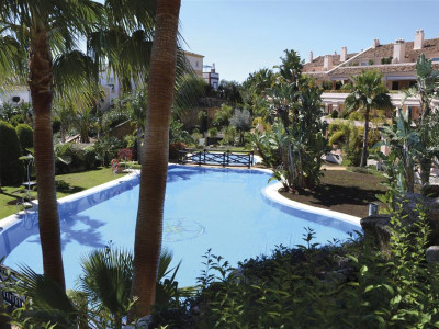 Nueva Andalucia, Contemporary duplex penthouse apartment in Nueva Andalucia in an exclusive quality development