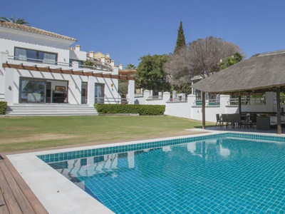 Nueva Andalucia, Fantastic contemporary villa in Nueva Andalucia within walking distance to Puerto Banus