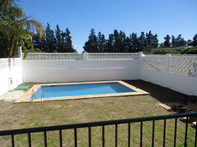 San Pedro de Alcantara, Atractive townhouse in San Pedro de Alcantara located close to all amenities and the town centre