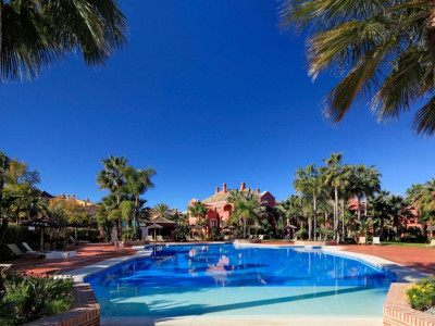 Nueva Andalucia, Quality duplex Penthouse in Nueva Andalucia just a five minute walk from Puerto Banus