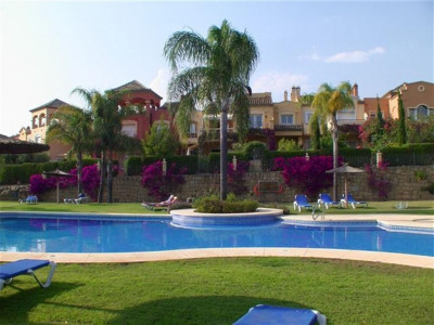 Nueva Andalucia, Excellent quality semi detached house in Nueva Andalucia within walking distance to Puerto Banus