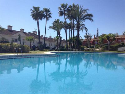 Estepona, Excellent townhouse on the New Golden Mile in Estepona set in a private urbanisation
