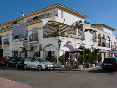 San Pedro de Alcantara, Italian Pizza Restaurant close to Puerto Banus and San Pedro de Alcantara