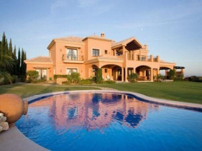 Benahavis, Magnificent rustic styled villa with fantastic panoramic views and privacy guaranteed