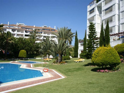 Marbella - Puerto Banus, 2 bedroom Ground Floor Apartment located in the famous Las Gaviotas in Puerto Banus Marbella Spain for sale