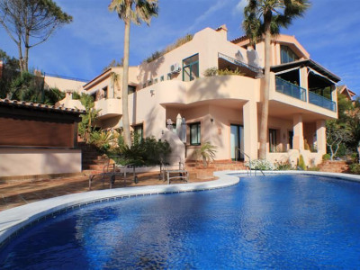Marbella East, Magnificent villa with panoramic sea and coastal views located in Marbella east