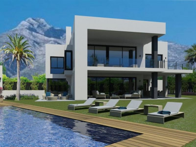 Marbella Golden Mile, Contemporary villa overlooking the Marbella Golden Mile with a large solarium and sea views