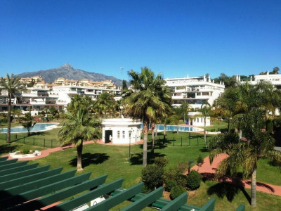 Nueva Andalucia, Ground floor apartment in Nueva Andalucia within walking distance to Puerto Banus