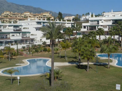 Nueva Andalucia, Apartment in Nueva Andalucia within walking distance to Puerto Banus and the beach