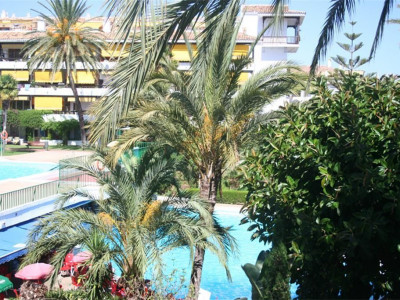 Marbella Golden Mile, Apartment property in Marbella on the Golden Mile a short walk from the beach.
