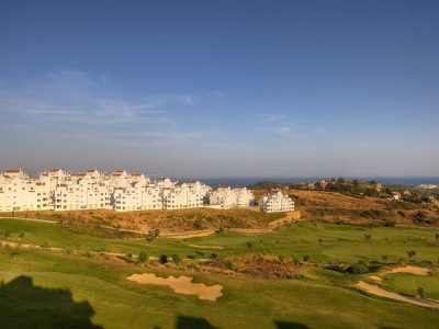 Estepona, New apartments in Estepona with stunning views over the golf course