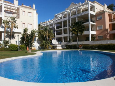 Nueva Andalucia, Large apartment in Nueva Andalucia close to 4 top golf courses and Puerto Banus