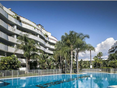 Marbella - Puerto Banus, Luxury apartment in Puerto Banus and short walk from the beach and the port