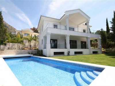 Marbella Golden Mile, New build villa in the hills overlooking the Marbella Golden Mile with panoramic sea views