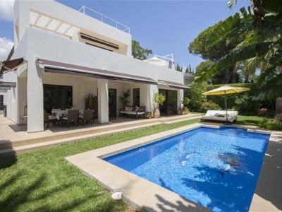 Marbella East, Beautiful villa in east Marbella in a beachside urbanisation a short walk from the beach
