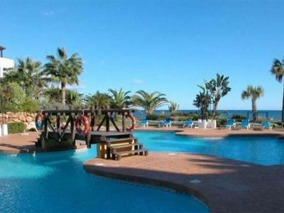 Marbella - Puerto Banus, Quality apartment property in Puerto Banus in a beachfront urbanisation with tropical gardens