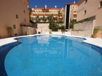 Nueva Andalucia, Luxury duplex penthouse apartment property in Nueva Andalucia with spectacular views