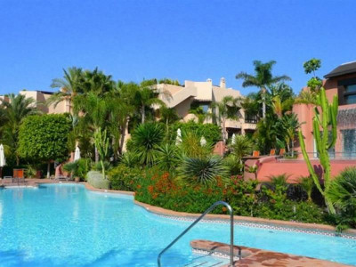 Marbella Golden Mile, Luxury apartment property in Marbella on the Golden mile only a five minute drive from town