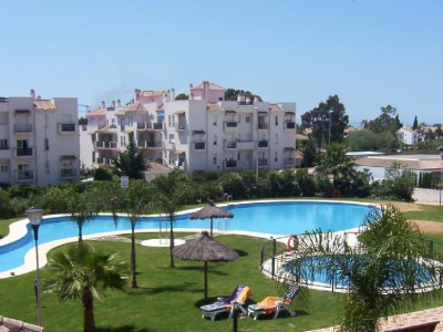 Nueva Andalucia, Apartment property in Nueva Andalucia within walking distance to Puerto Banus and the beach