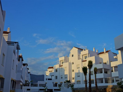 Estepona, Brand new apartment in Estepona, in an exclusive golf resort with clubhouse