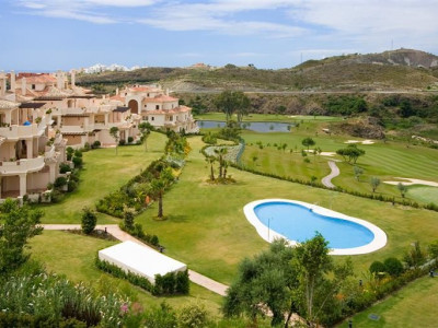 Benahavis, Duplex penthouse apartment in Benahavis with panoramic views overlooking the golf course