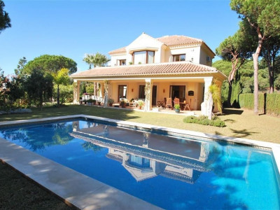 Marbella East, Modern villa property in Marbella east close to some of the best beaches on the Costa del Sol