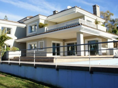 Marbella East, Large villa property in East Marbella on the Costa del Sol just a short walk from the beach
