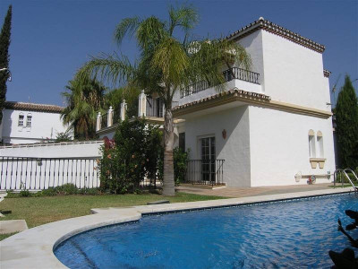 Nueva Andalucia, Charmin villa located in Nueva Andalucia near Perto Banus Marbell Spain
