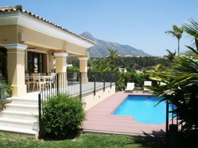 Nueva Andalucia, Villa with great views in the Golf Valley near Puerto Banus in Marbella for sale