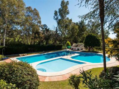 Villa  en venta en  Nueva Andalucia - Nueva Andalucia Villa
